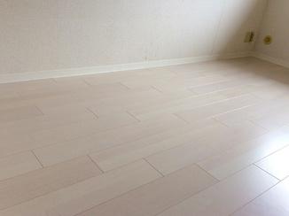 内装リフォーム 床材を変えながら統一感のあるきれいな部屋に