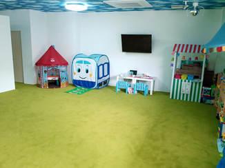 内装リフォーム 子どもたちが走り回りたくなる青空と大草原をイメージした内装