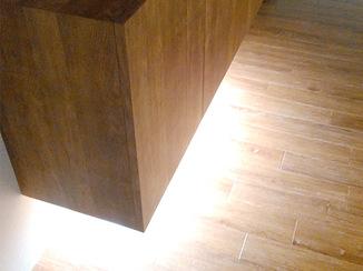 内装リフォーム 間接照明でスタイリッシュかつ安全な玄関